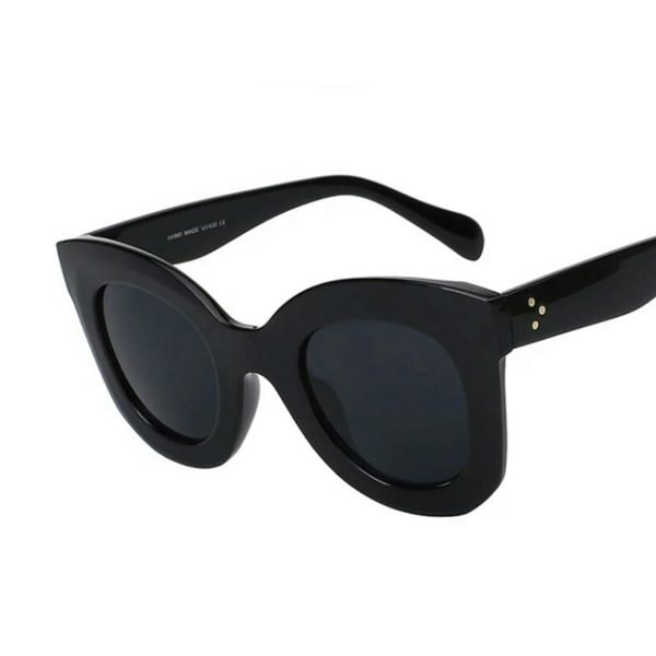 "Spoilt Bitch Club ""Tammy"" Sunglasses in Black"